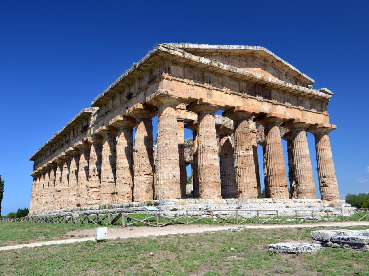 Excursions from Sorrento - Visit Sorrento - excursion in italy - excursion herculaneum - excursion paestum - excursion from hotel aminta