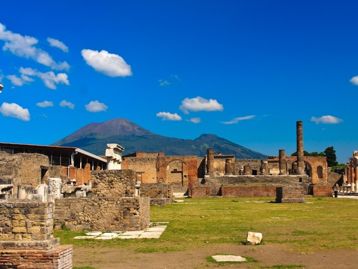 Excursions from Sorrento - Visit Sorrento - excursion in italy - excursion herculaneum - excursion pompeii - excursion from hotel aminta